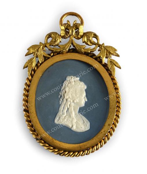 Vente de Souvenirs Historiques - aux enchères plusieurs reliques de la Reine Marie-Antoinette - Page 2 14468812