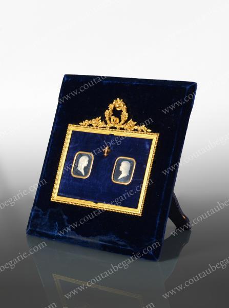 Vente de Souvenirs Historiques - aux enchères plusieurs reliques de la Reine Marie-Antoinette - Page 2 14468814