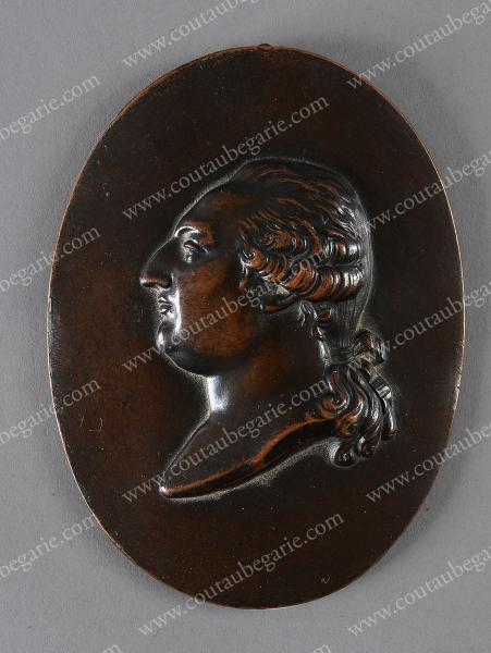 Vente de Souvenirs Historiques - aux enchères plusieurs reliques de la Reine Marie-Antoinette - Page 2 14468910