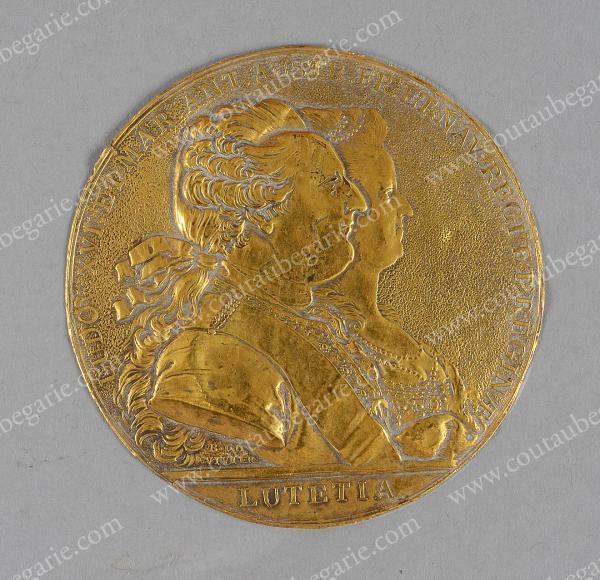 Vente de Souvenirs Historiques - aux enchères plusieurs reliques de la Reine Marie-Antoinette - Page 2 14469010