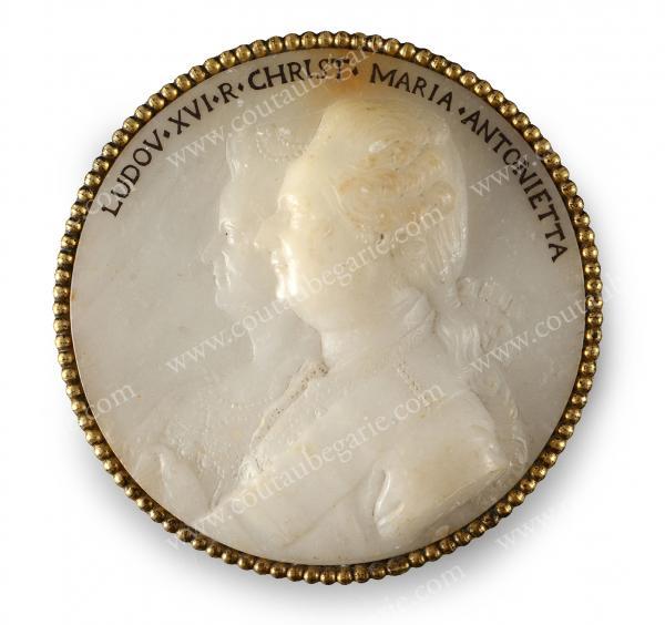 Vente de Souvenirs Historiques - aux enchères plusieurs reliques de la Reine Marie-Antoinette - Page 2 14469210