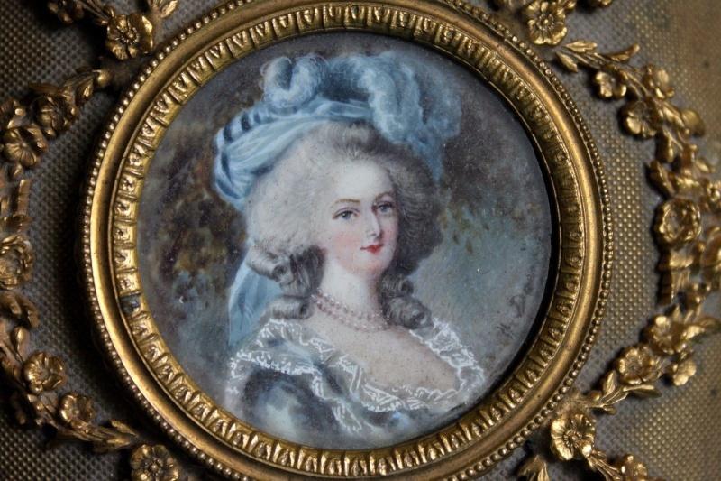 A vendre: miniatures de Marie Antoinette? - Page 3 S-l16010