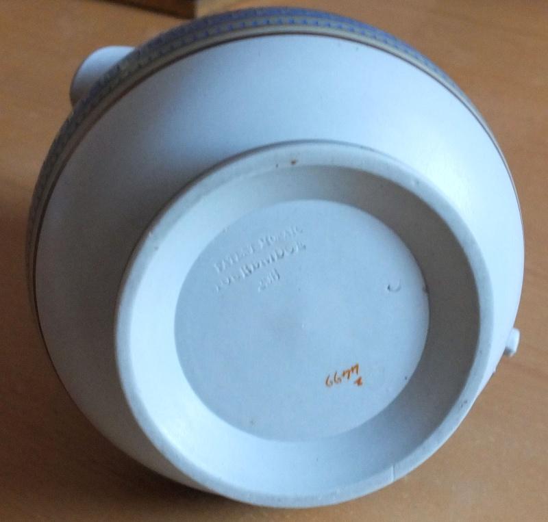Stourbridge Pottery - Any Information? Stourb11
