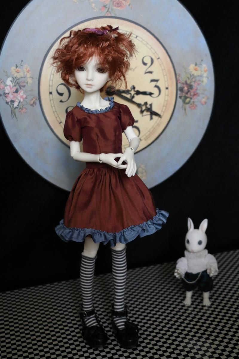 [MEI BOBOBIE] Cloette / Sur le thème d'Alice (bas page 1) Img_1310