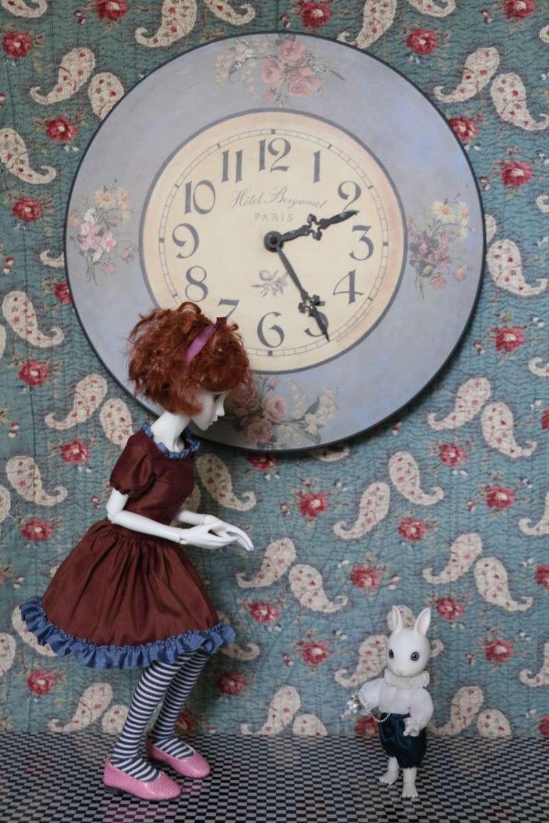 [MEI BOBOBIE] Cloette / Sur le thème d'Alice (bas page 1) Img_1410
