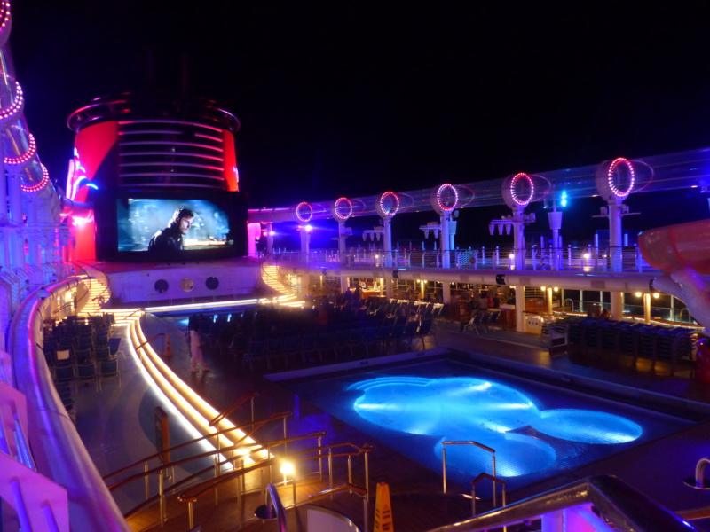 [Halloween 2018] Universal Studios, Disney Cruise Line dans les caraïbes et Gatorland - Page 8 P1140815