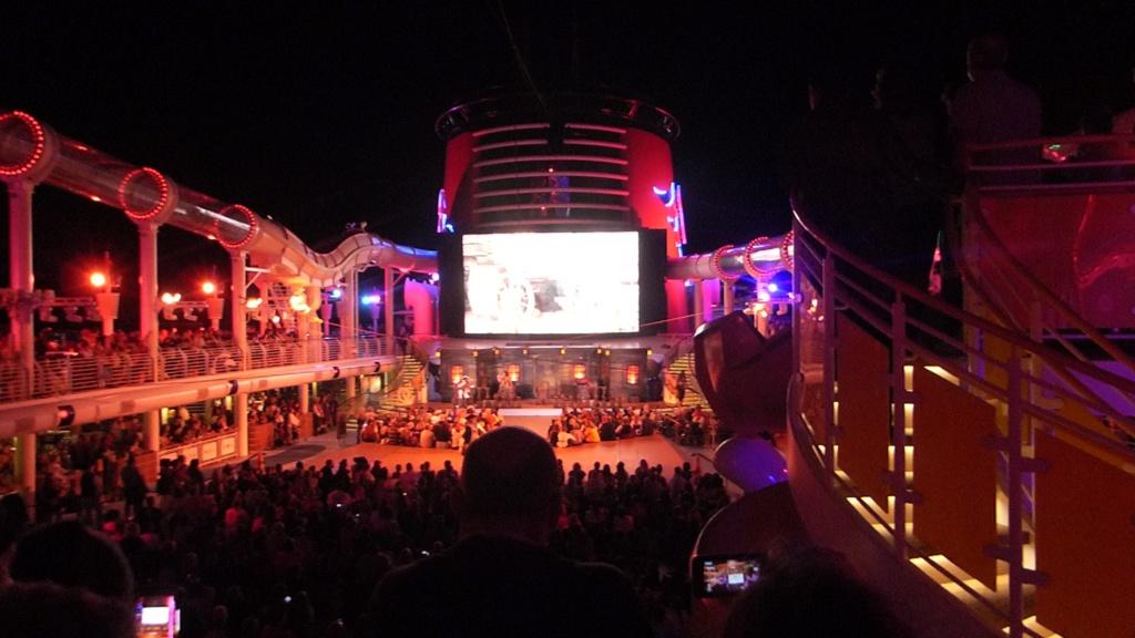 [Halloween 2018] Universal Studios, Disney Cruise Line dans les caraïbes et Gatorland - Page 12 P1160111