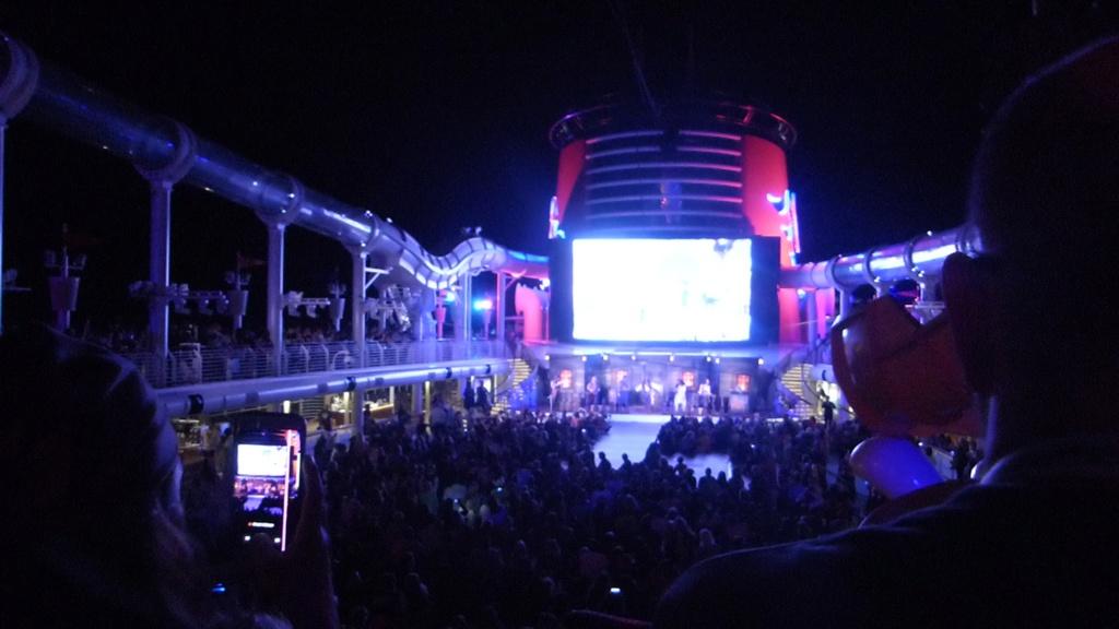 [Halloween 2018] Universal Studios, Disney Cruise Line dans les caraïbes et Gatorland - Page 12 P1160129
