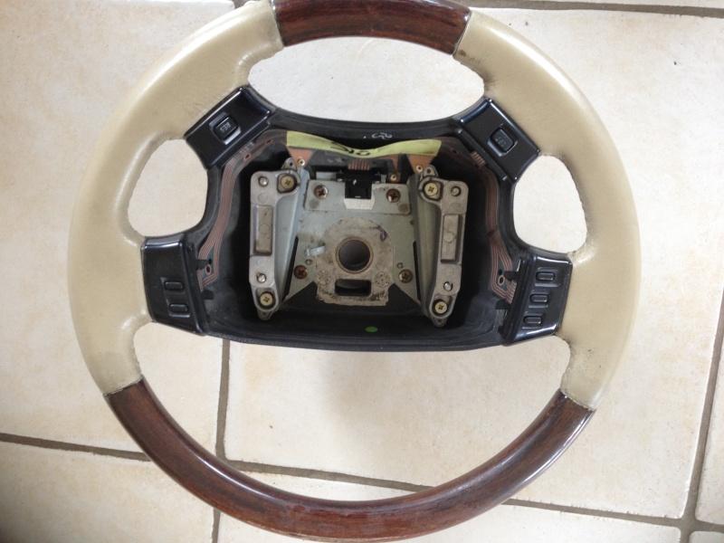 [VDS] Volants cuir et bois (cuir lightstone) 2 Img_2210