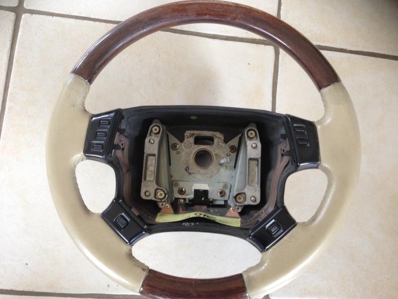 [VDS] Volants cuir et bois (cuir lightstone) 2 Img_2213