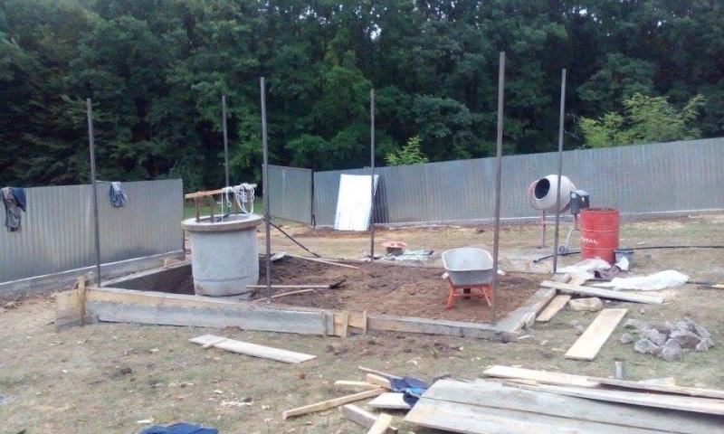 La construction du refuge a débuté - Page 2 12023110