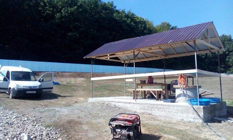 La construction du refuge a débuté - Page 2 Rm110