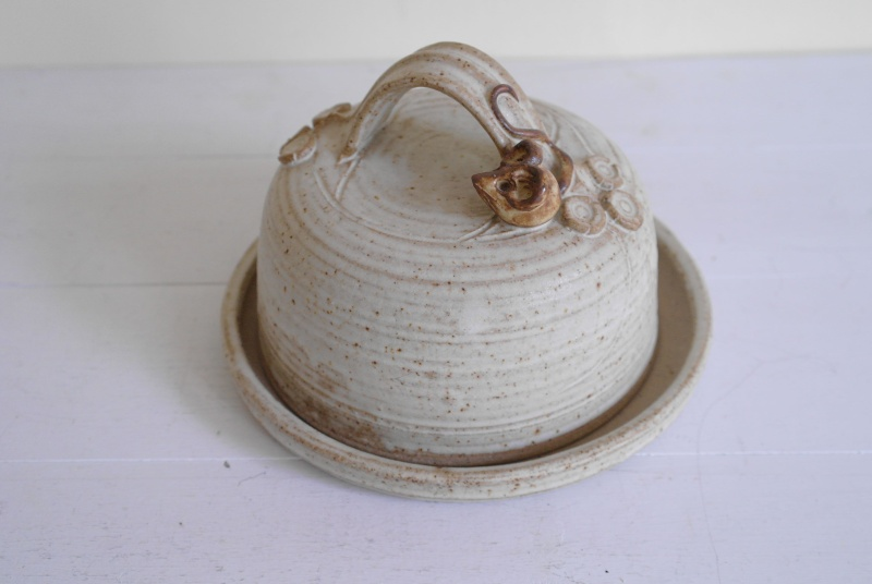 Mouse Cheese Dish Marked CB? - Catherine Burden?  Dish10