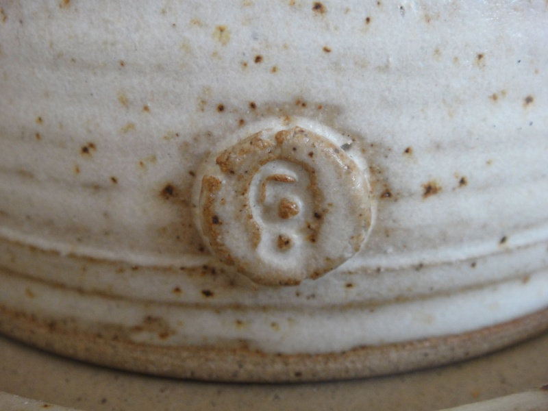 Mouse Cheese Dish Marked CB? - Catherine Burden?  Dsc08611