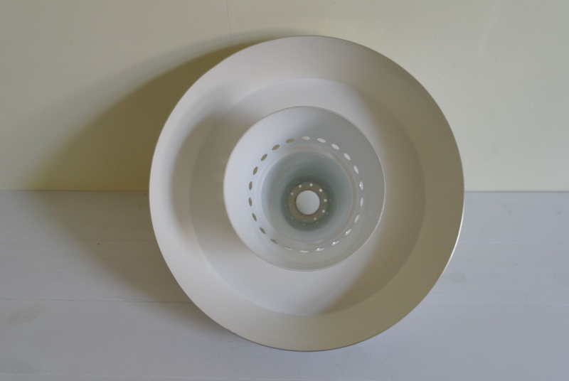 ID for aluminum lampshade circa 1970 Sam_8816