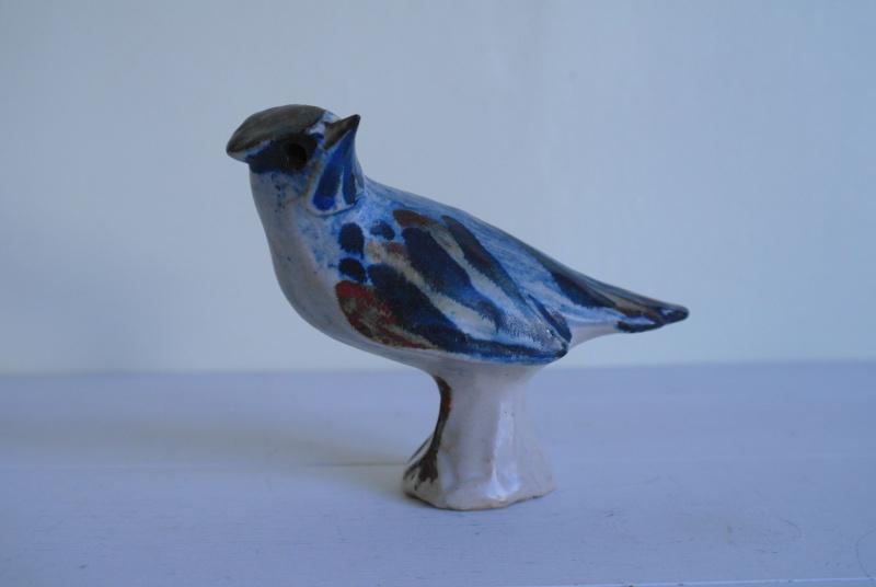 Stoneware Bird with Flower Like Mark? Sam_9815