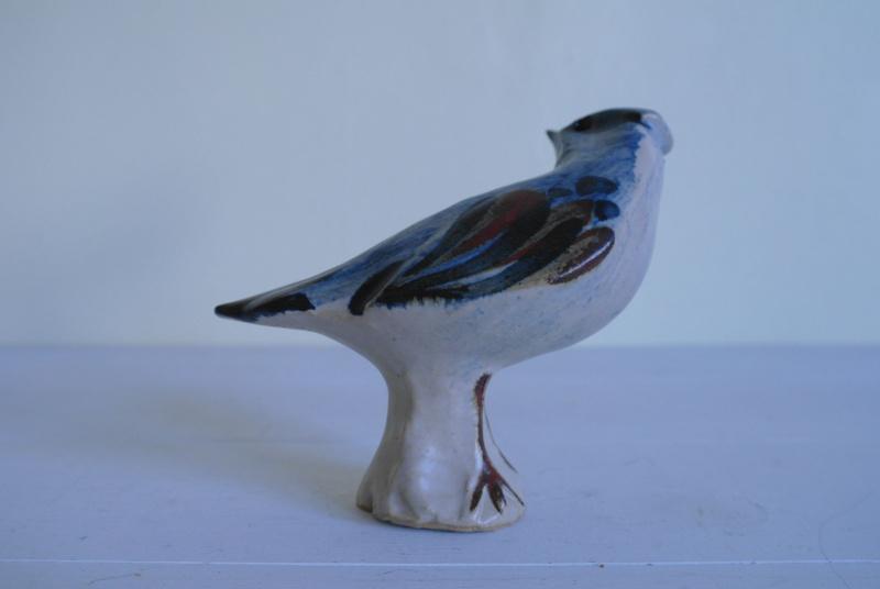 Stoneware Bird with Flower Like Mark? Sam_9816