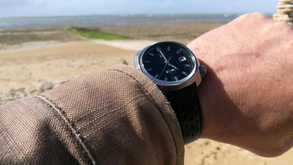 Votre montre du jour Img_2176