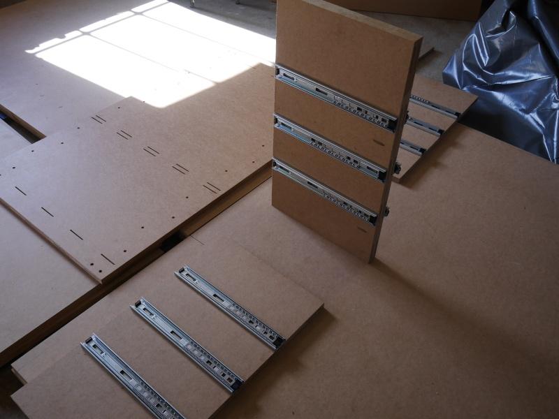 Construction d'un établi simple et pratique - Page 2 P1050317