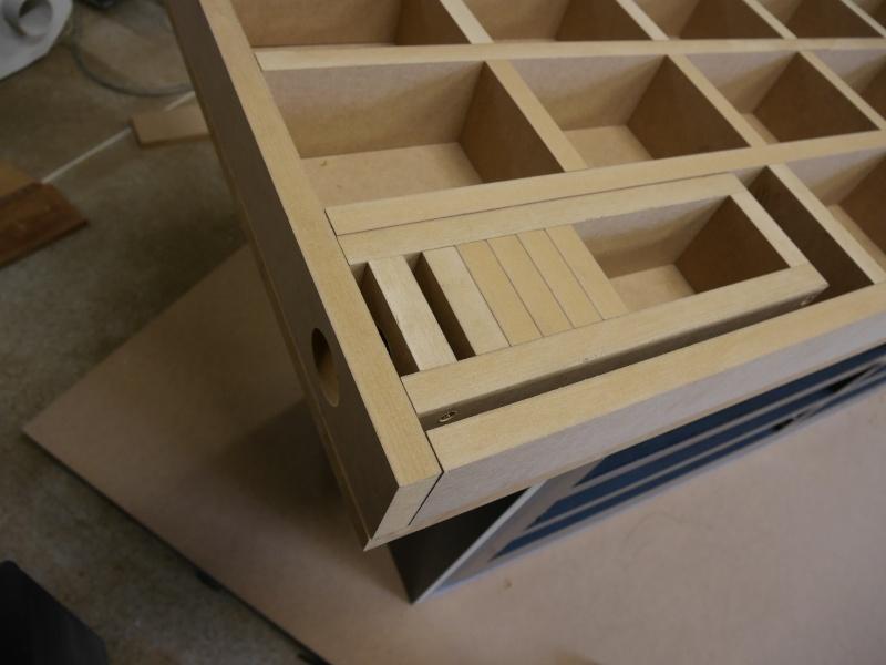 Construction d'un établi simple et pratique - Page 2 P1050324