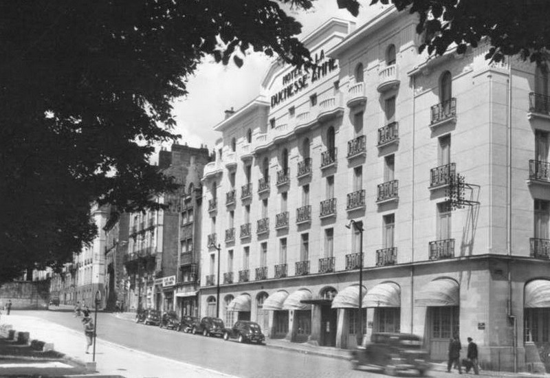 2004 - INCENDIE DE L'HOTEL DE LA DUCHESSE-ANNE Hotel-11