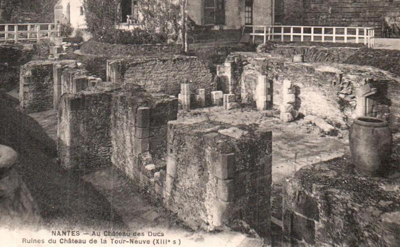 LES VESTIGES DU CHÂTEAU DE LA TOUR NEUVE Ruine-10