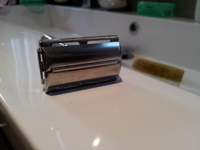 Achat nouveau rasoir et nettoyage ( slim ajustable H4) 20151015