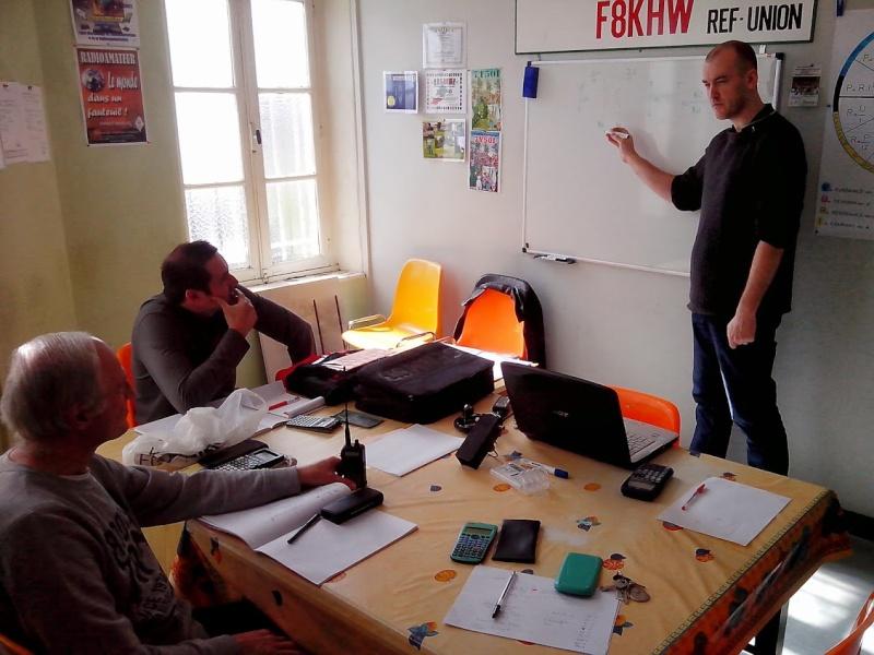 cours de préparation à la licence F4 Img_2012