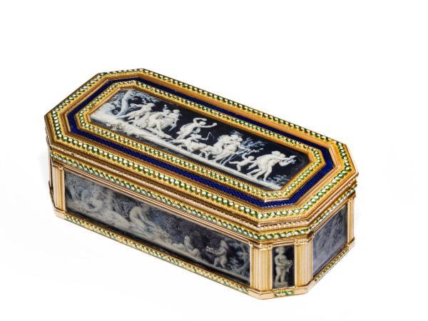 A vendre: meubles et objets divers XVIIIe et Marie Antoinette - Page 3 14417010
