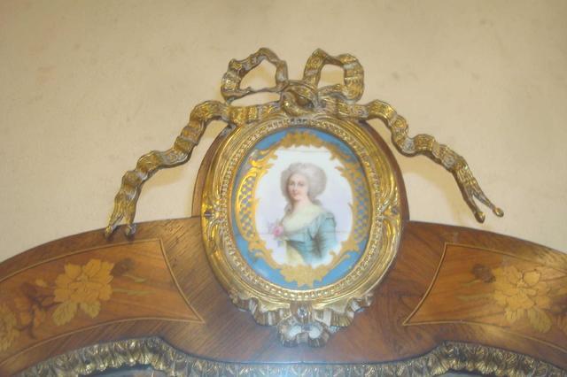 A vendre: meubles et objets divers XVIIIe et Marie Antoinette - Page 4 15113210