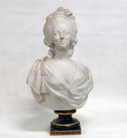 A vendre: bustes Marie Antoinette - Page 4 16334010
