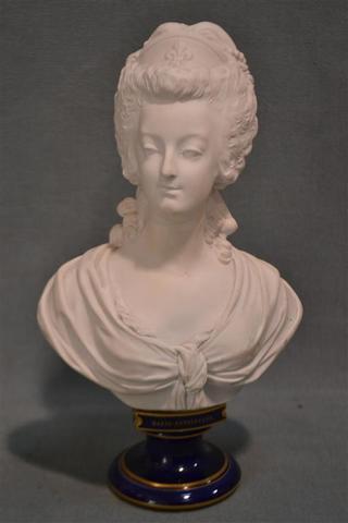 A vendre: bustes Marie Antoinette - Page 3 17233610