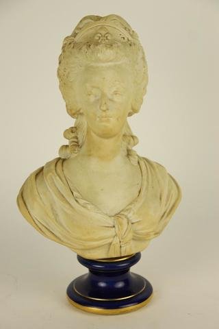 A vendre: bustes Marie Antoinette - Page 3 17450710