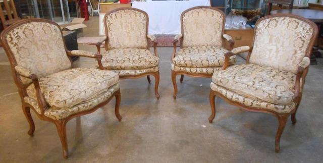 A vendre: meubles et objets divers XVIIIe et Marie Antoinette - Page 4 17490610