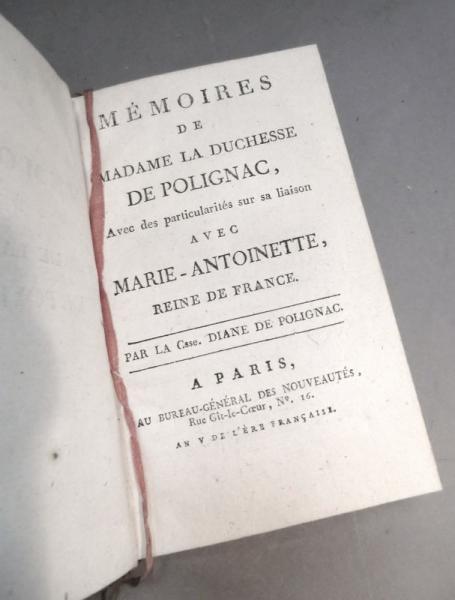 A vendre: livres sur Marie-Antoinette, ses proches et la Révolution - Page 3 49967210