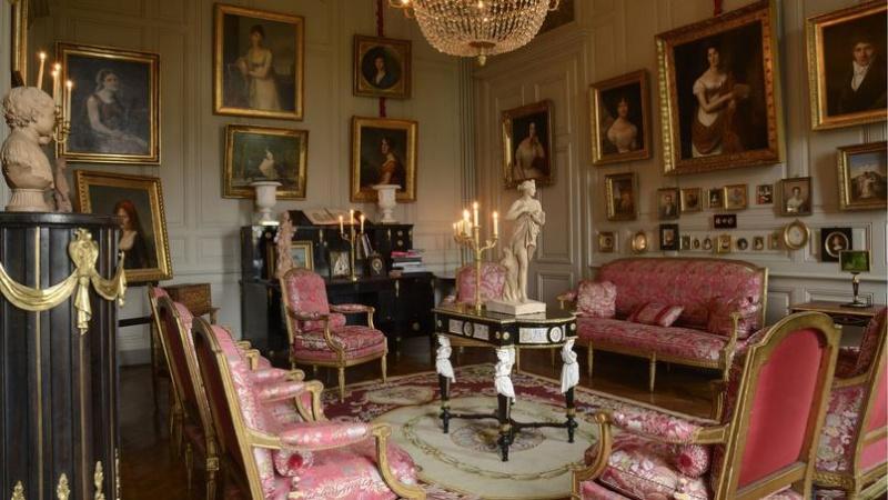"""""""La Vie de Château"""", Vente de plus de 500 Objets des Collections de Jean-Louis Remilleux à Digoine Xvm67e10"""