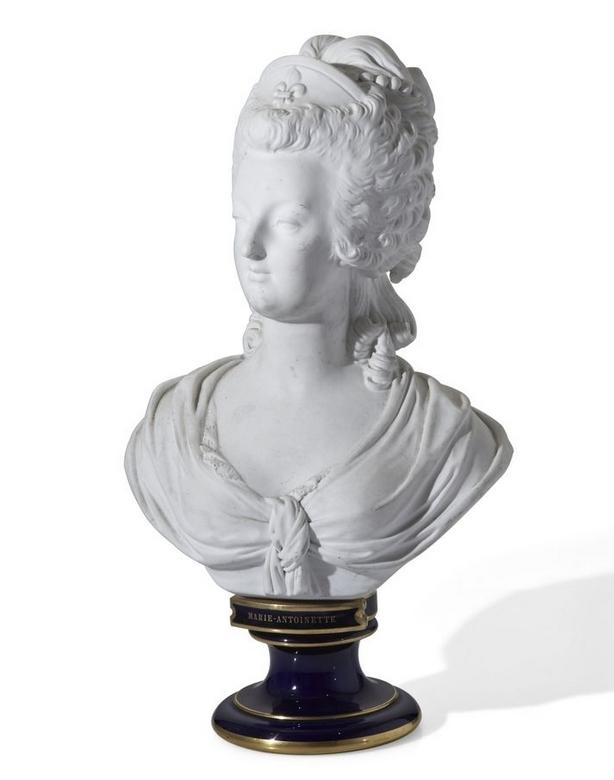 A vendre: bustes Marie Antoinette - Page 4 Zmarie10