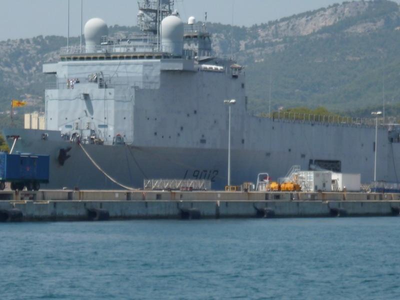 porte-hélicoptères Tonnerre et le transport de chalands Siroco P1010719