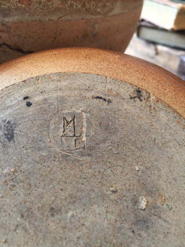Hello does anyone know the maker of this studio pot  Coyvym11