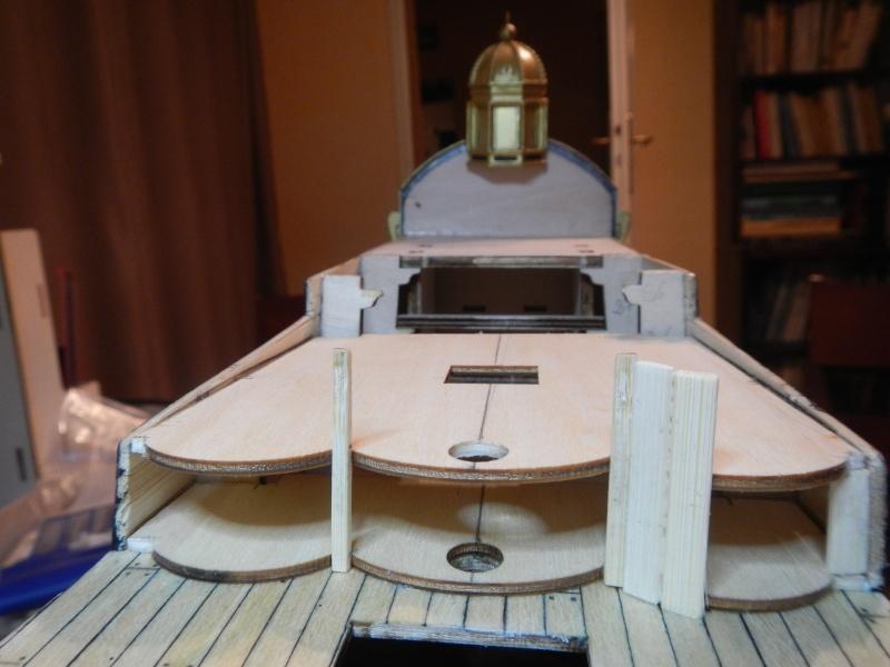 Construction du Sovereign of the Seas au 1/84 (partie 1) - Page 39 Dscn2728