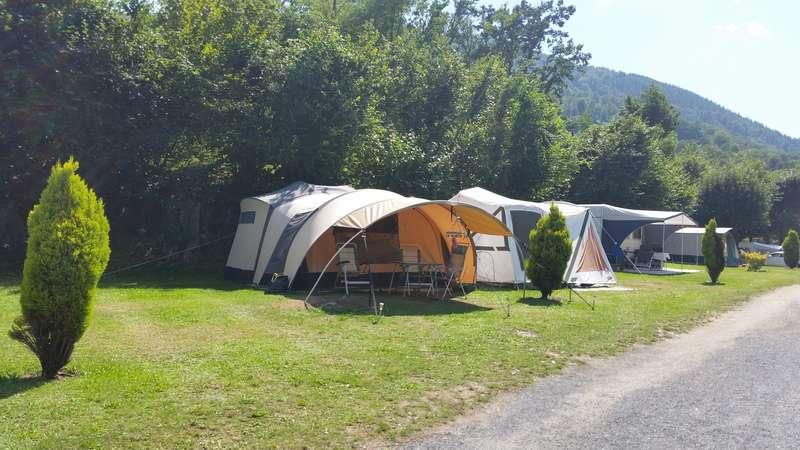 CHAMONIX - tentes vues cette année au camping 20150811