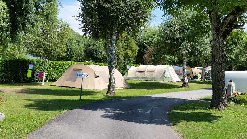 CHAMONIX - tentes vues cette année au camping 20150812