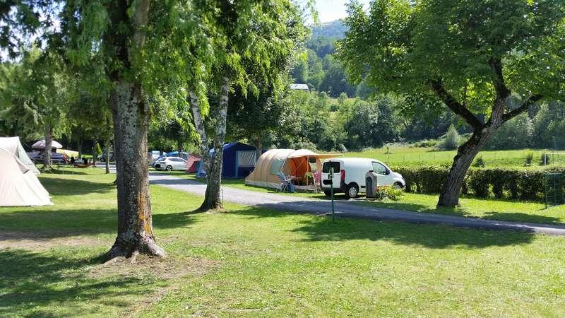 CHAMONIX - tentes vues cette année au camping 20150813