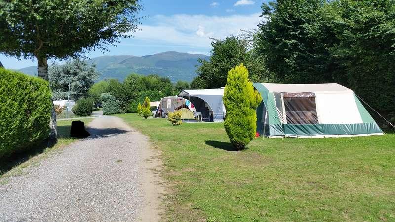 CHAMONIX - tentes vues cette année au camping 20150815
