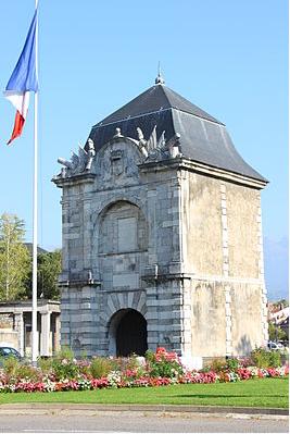 [Histoires et Histoire] Monuments aux morts originaux Français Tome 1 - Page 20 Captur11
