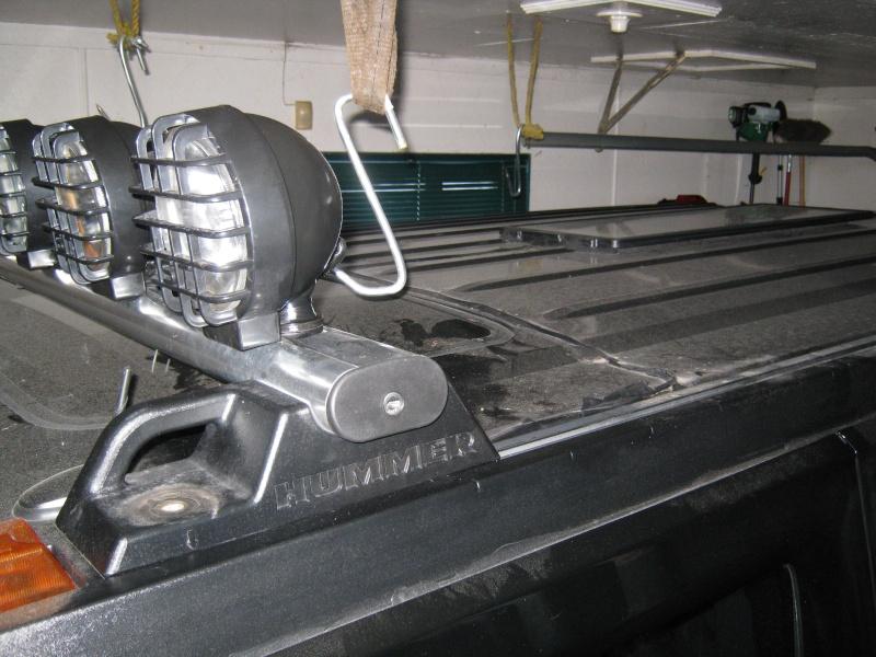 Maintenir la charge de la batterie sur un Hummer Plaque10