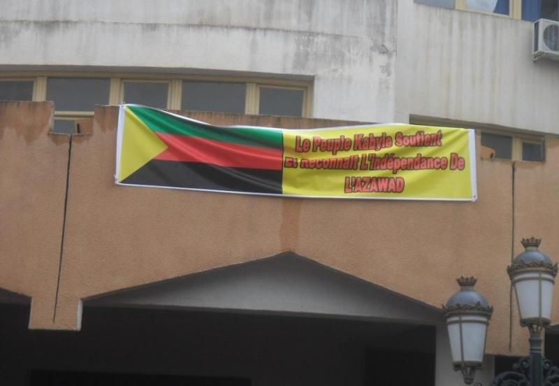 Des jeunes kabyles veulent rejoindre leurs frères de combat à Azawad Azwad10