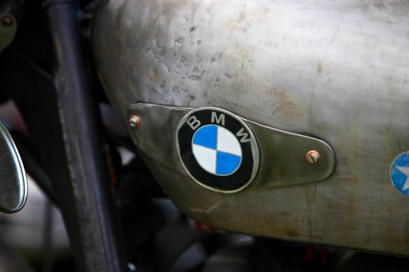 C'est ici qu'on met les bien molles....BMW Café Racer - Page 36 21209610
