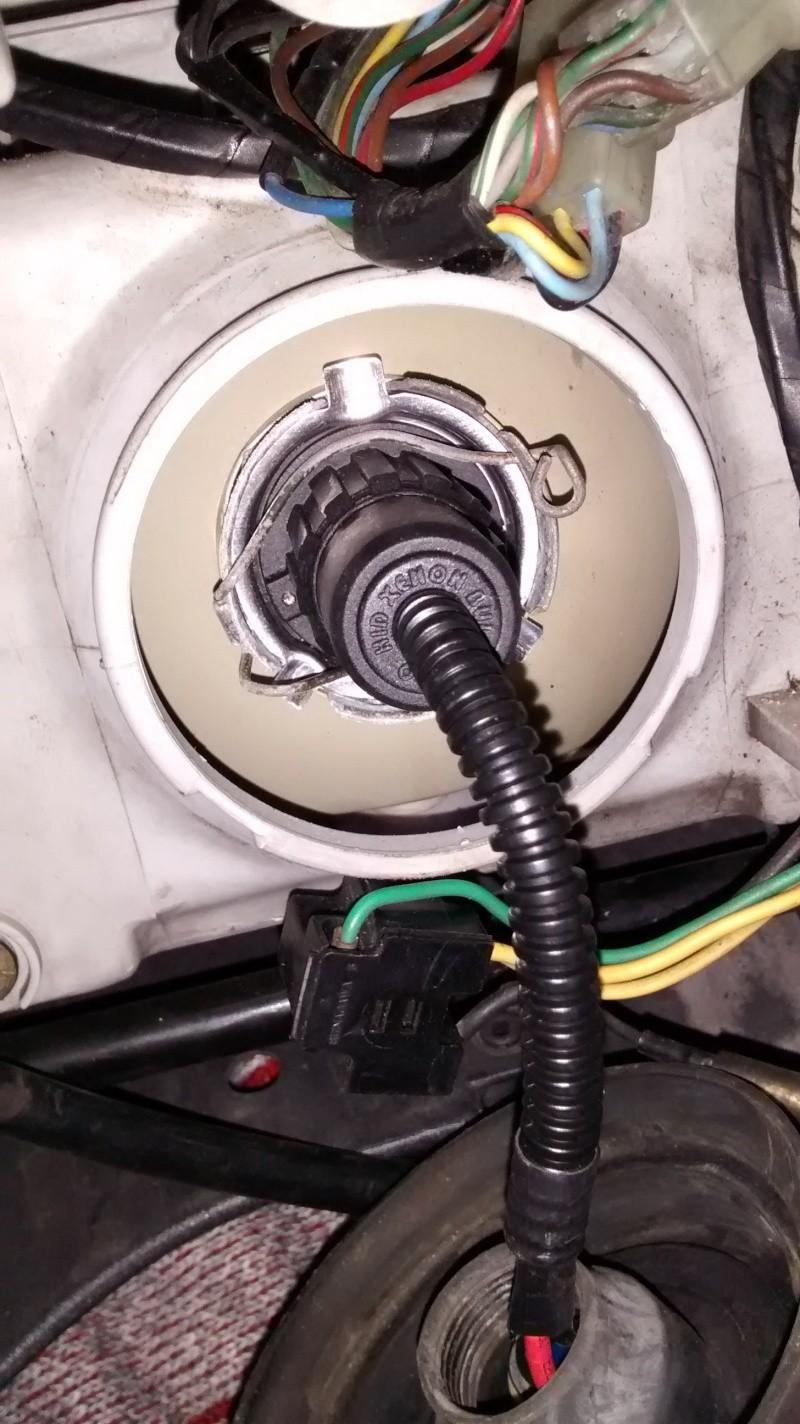 Kit Bi-Xenon H4 35W à prix intéréssant  Img_2011