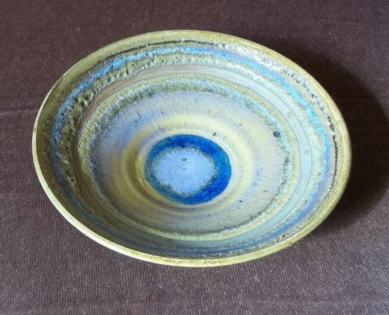 Stoneware dish with lava glaze 100_2647